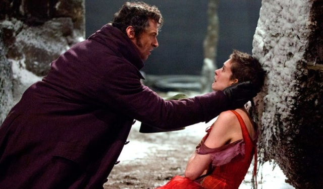 les-miserables-hugh-jackman-anne-hathaway-new